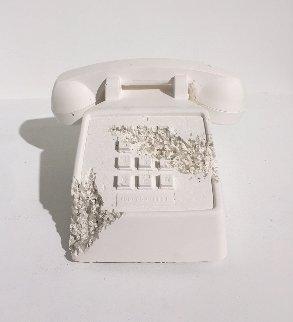 Telephone (Future Relic Fr-05) Sculpture 2016 Sculpture - Daniel Arsham