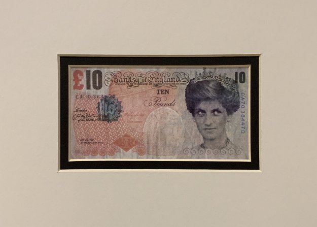 Di-Faced Tenner 2004 by  Banksy
