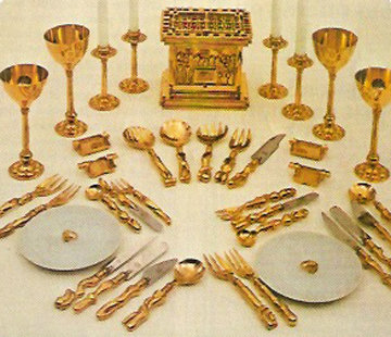 Romeo And Juliet Beauty And The Feast, Gold Plated Place Setting 1969 Other - Miguel Ortiz Berrocal