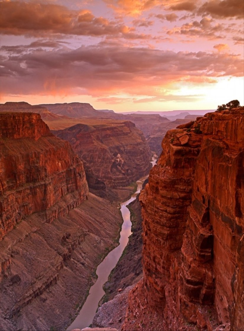 Sunset West  Panorama by William Carr