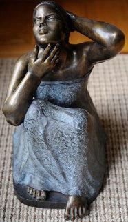 Untitled Seated Girl Bronze Sculpture 1995 Sculpture - Felipe Castaneda
