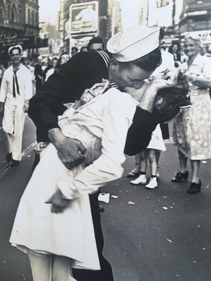 V.J.  Day, 1945 Photography - Alfred Eisenstaedt