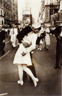 V.J. Day and Farewell to Servicemen  Photography - Alfred Eisenstaedt