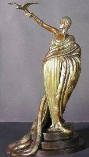 Victoire Bronze Sculpture 1980 Sculpture -  Erte
