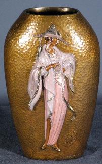 Chapeau Objets D'arte Bronze Vase 1983 Sculpture -  Erte