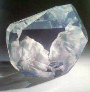Kiss Acrylic Sculpture 2001 Sculpture - Frederick Hart