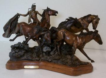 Horse Thief Bronze Sculpture 1991 Sculpture - David Lemon