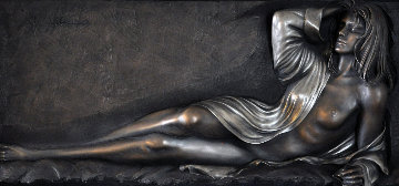Glamour Bonded Bronze  Scuplture AP 2006 Sculpture - Bill Mack