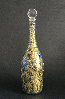 Arty Bottle (Art Reflexion on Glass) Glass Sculpture Unique 2018 11 in  Sculpture - Linda Naili
