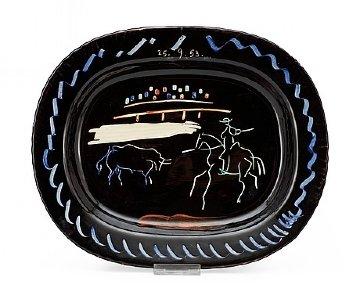 Corrida Sur Fond Noir  Earthenware Dish 1953 15 in Sculpture - Pablo Picasso