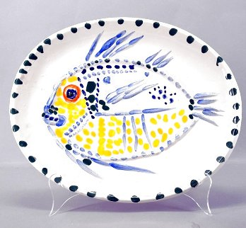 White Ground Fish Ceramic 1952  Sculpture - Pablo Picasso