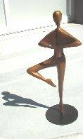 Pirouette (Small) Bronze Sculpture 18 in Sculpture by Robert Holmes - 2