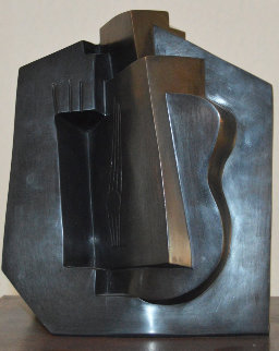 Entertainment With Picasso the Guitar And the Cubism 17 Bronze Sculpture 1984 Sculpture - Pablo Serrano