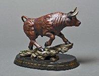 Maximus Bull Bronze Sculpture 2016 24 in Sculpture by Barry Stein - 1