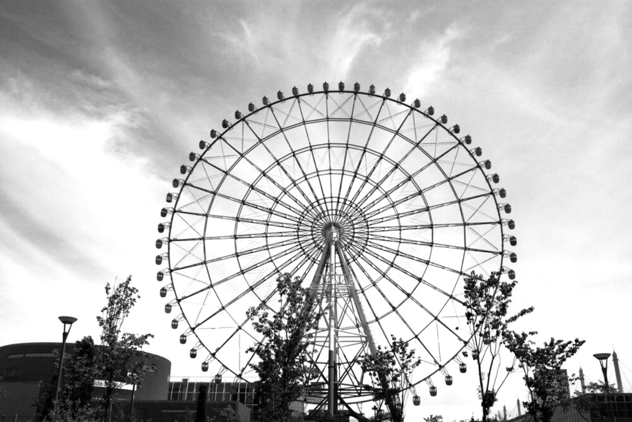 Ferris Wheel Tokyo 2017 Photography by Adi Tarkay
