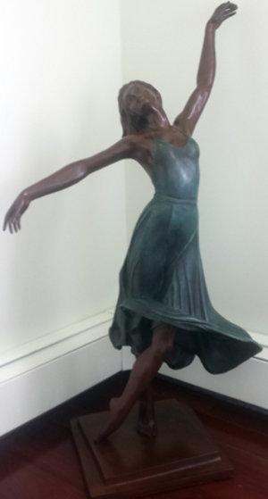 Isadora Bronze Sculpture 38 in Sculpture by Victor Villarreal