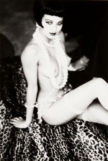 Maria Luisa With White Pearls, New York 1992 Photography - Ellen von Unwerth