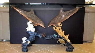 Dolphin Arch Bronze Entry Table AP 1997 Sculpture - Robert Wyland