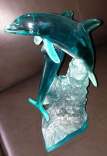 Ocean Friends Acrylic Sculpture 1995 Sculpture - Robert Wyland